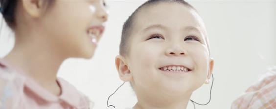 让听障儿童首次享受音乐
